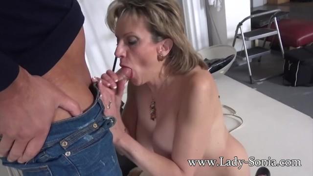 Photographer Mouth Fucks Mature Lady Sonia