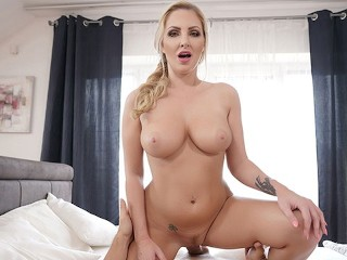 SexBabesVR - 180 VR Porn - Cum Covered Tits with Georgie Lyall