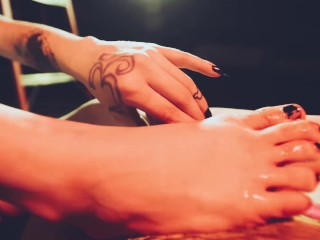 Teasin with my tootsies: Crossdressing Foot job from tattooed goth girl