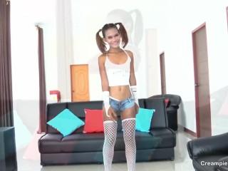 Preview 4 of Brown skinned Thai girl bareback creampie