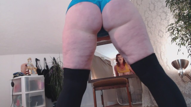 Naked full figured woman V89 full figured dawnskye in naked yoga and pussy squeezes