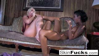 Skin's lesbian Dr. Who anal with Leya