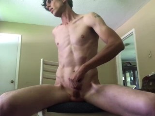 I know it makes you wet to see a str8 guy play with his ass