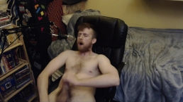 CAM MODEL FREAKYKNIGHT AKA DAVE NAZAR JERKS OFF ND CUMS 24YO BIG UNCUT DICK