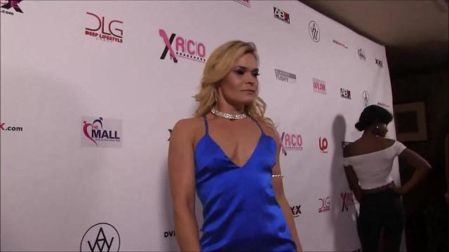 Tara reed red carpet breast - Xrco awards 2018 red carpet part 8