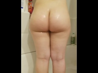 Shaking my booty in the shower!
