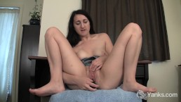 Yanks Samara's Wet And Juicy Sounds