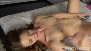 Clip Sexy Fit Redhead Fucks Herself with A Vibrator