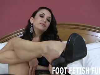 Femdom Foot Worshiping And Footjob Videos