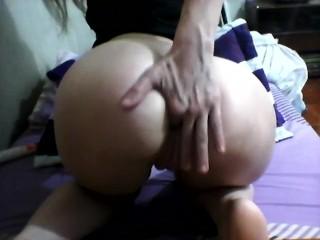 Mi primer video con sexo anal con los dedos.....mmmm