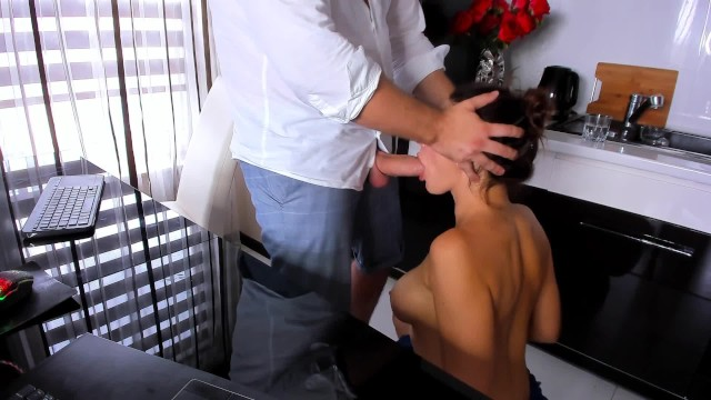 Extereme throat fucking blow jobs - Amateur blow job in kitchen - cumshoot on young girl
