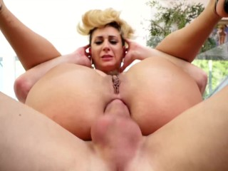 This girl Della Dane takes one hell of an anal pounding