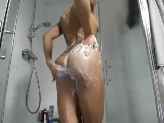 Teen Wash Butt Very Good in The Shower
