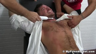 Película porno - My Friends Feet Furry-Chested Hunk Bound And Tickled Hard Relentlessly
