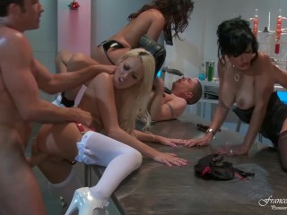 Orgy in the chemical laboratory of porn super heroines