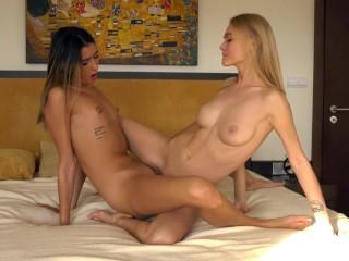 Gorące dziewczyny lesbijki lizanie cipki