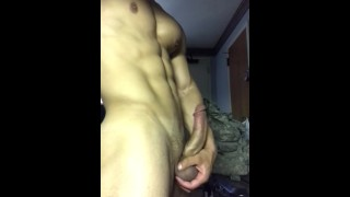 Bisexual hunk jerking off for you