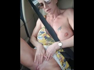 Lara De Santis - car flashing