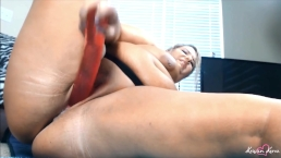 BBW Squirting on 12 Inches