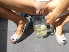 New Extreme Wet Pee Piss Play Pissing In A Glass An Make A Wet T-Shirt
