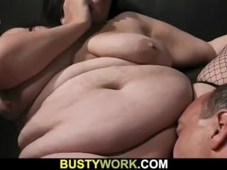He seduces hot-looking brunette BBW