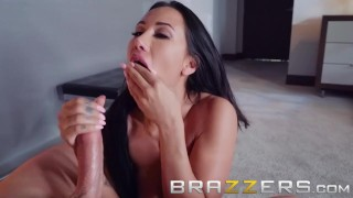 Brazzers - Amia Miley & Jessy Jones - Home invasion goes right Brunette point