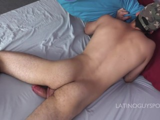 Latin Papi Vicente jerks off and shoot lots of delicious cum!