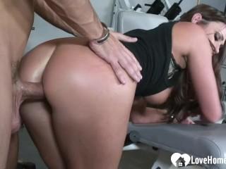 Horny slut at the gym fucks the instructor