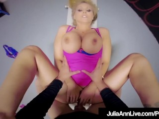 Hot Mommy Julia Ann Gets Mature Pussy Fucked & Cummed On!