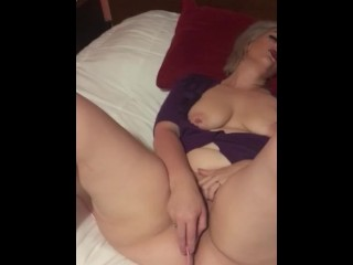 Amateur housewife goes solo