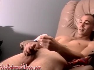 Handsome guy Pearl feeding our eyes with passionate jerk off