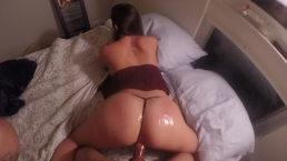 Big booty bounces dripping wet pussy on hard cock