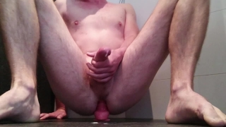 Multiple (handsfree) cumshots riding my dildo Sucking stud