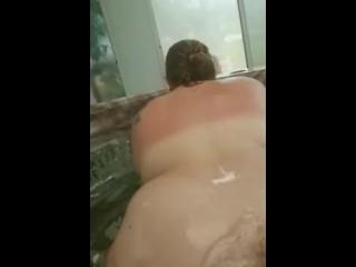 Quicke In Friends Hot Tub