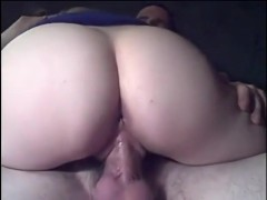 Mature women gets wet while riding my cock