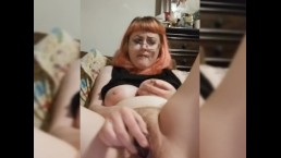 Hairy pussy babe cums on her dildo