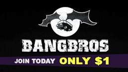 BANGBROS - Mike Adriano entrega un follada anal intensa a Jynx Maze