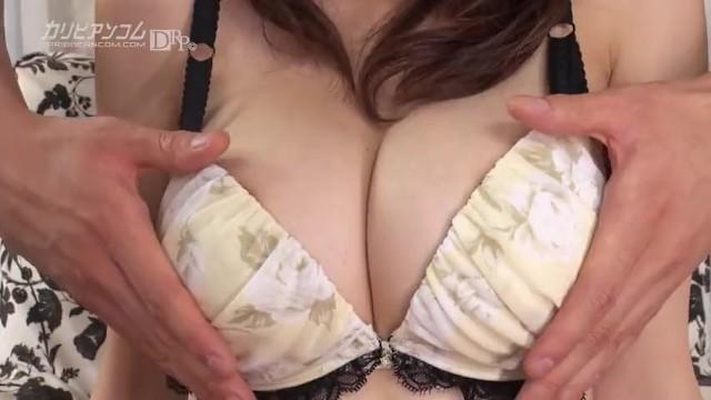 【無修正】松岡すず 正真正銘の美しすぎるスレンダー巨乳は乳首が性感帯1位 スレンダー巨乳のものすごくスタイルが良過ぎる女の子、それが松岡すずちゃん。  #松岡すず