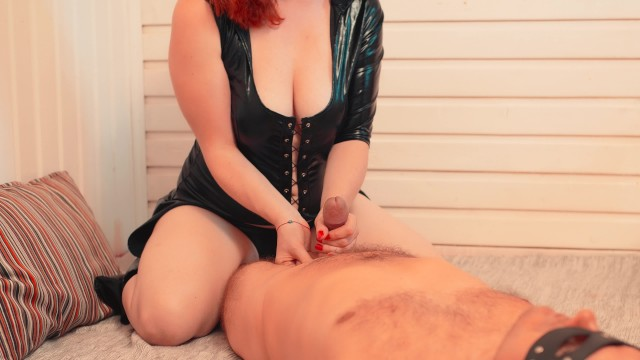Redhead bug suits Submissive hard handjob to massive cumshot hot ginger in leather suit