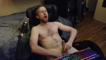 FRAT COLLEGE STUD BIG UNCUT DICK JERK OFF AND CUM ON WEB CAM! CANADIAN GUY