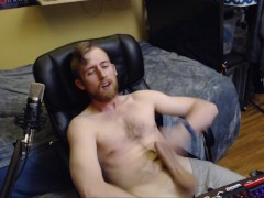 CAM MODEL JERK OFF DURING LIVE ONLINE CHATURBATE CAM SHOW AND CUM ON CHEST