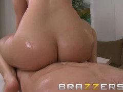 Brazzers - Alexis Texas loves massages and ridding cock