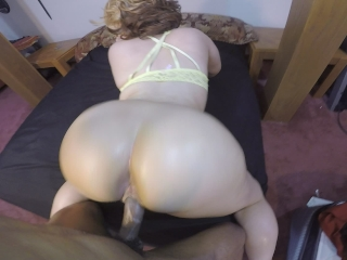 Big booty blonde girls love quickies & huge cocks to suck on!