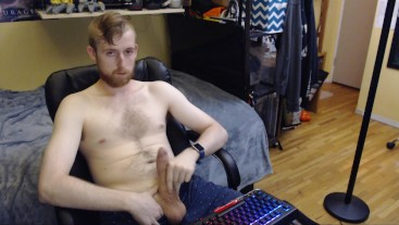 SEXY CANADIAN UNIVERSITY GUY JERKS OFF ON LIVE CAM FOR AUDIENCE. NO CUMSHOT