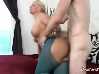 Blonde Mom Is Unstoppable Fuck Machine Once She Gets Going