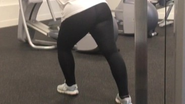 Quick Spy in the Gym. Big Ass Girl Working Out in Tight Pants!