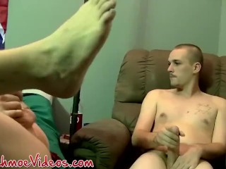 Rural guy facialized after masturbating alongside homosexual