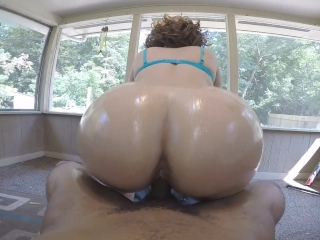 Sexy blonde gives sloppy head & gets bubble butt fucked hard!