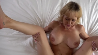When the husband is away, the MILF will play! (Brandi Love) Glasses blonde