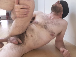 Fuck machine - dildo (almost) too big for straight guy